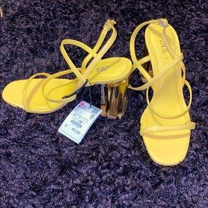 NWT Zara Strappy yellow block heel sandals